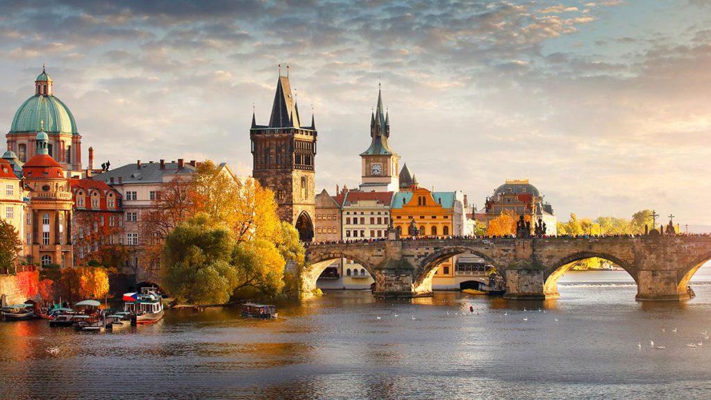 Freestyle Beer Tourism Prague charles-bridge-in-prague-beer-tour