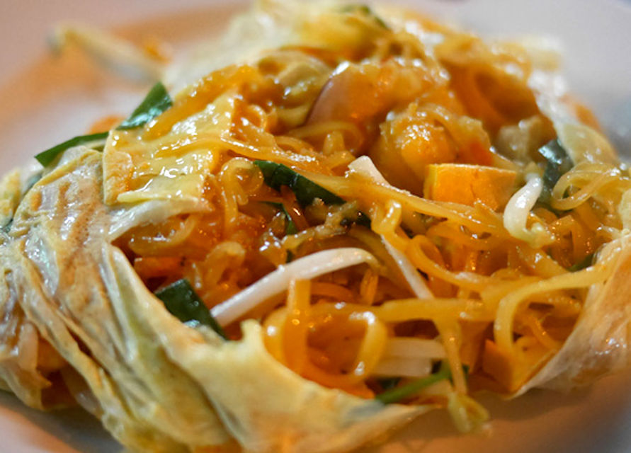 pad thai- street food-Southeast Asia Bucket List Travel