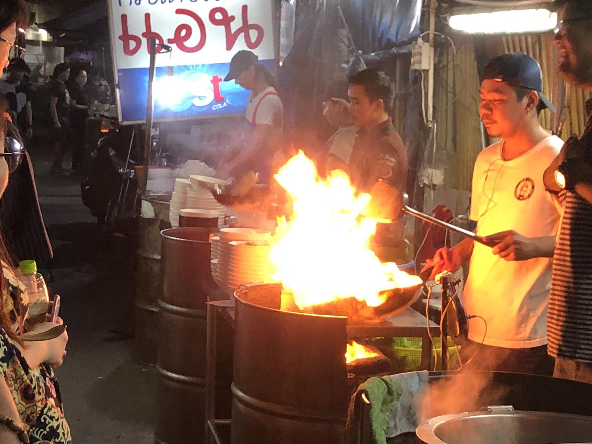 Bangkok Food Tours: Midnight Food Tour by Tuk Tuk